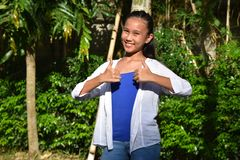 Stolta ungdomliga Filipina Teen Girl arkivbild
