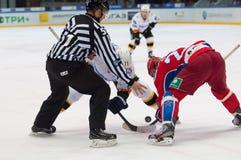 Stolyarov G (71) contro Stas A (23) su faceof Fotografia Stock