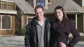 Stolze Hausbesitzer (2 von 3) stock video footage