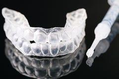 Stomatologicznego stałego wynagrodzenia ortodontyczny urządzenie obraz stock