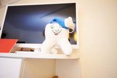 Stomatologiczny biuro, stomatologiczny traktowanie, zdrowia zapobieganie zdjęcia stock