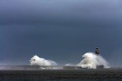 Stomy Wetter am Roker Leuchtturm Lizenzfreie Stockfotos