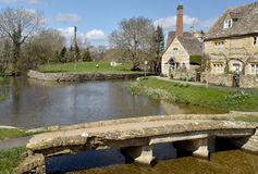 Stone bridge, River Eye, Lower Slaughter Stock Image