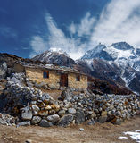 Stone cabin in the mountain, along the trail to Mount Everest Ba Stock Images