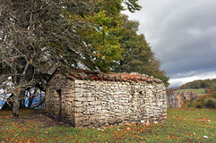 Stone cabin in mountain Royalty Free Stock Photos