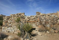 Stone cabin ruins Royalty Free Stock Photos