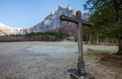 Stone cross and Mountain III Royalty Free Stock Photos