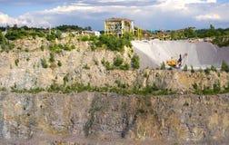 Stonecutter en una mina del granito Fotografía de archivo libre de regalías