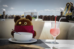 Stoned Tedy bear summer beach cocktail winni the pooh Royalty Free Stock Photos