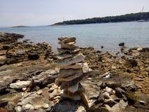 Stonee och hav Royaltyfria Foton