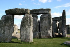 Stonehenge. Although Stonehenge appears circular, this photo depicts a linear dominio perspective royalty free stock photos
