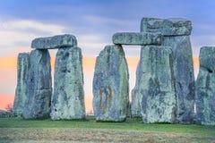 Stonehenge an der Dämmerung Stockfotos