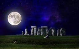 Stonehenge la nuit Image libre de droits