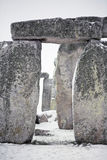Stonehenge nella neve fotografie stock