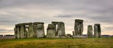 Stonehenge nuvoloso Fotografie Stock Libere da Diritti