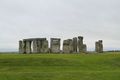 Stonehenge sotto il cielo nuvoloso - Inghilterra Immagine Stock Libera da Diritti