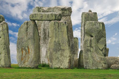 Stonehenge sous un ciel bleu, Angleterre Image libre de droits