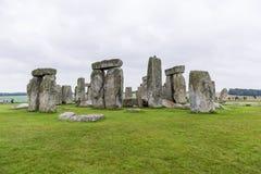 STONEHENGE, WILTSHIRE, HET UK - 17 AUGUSTUS: Oude archeologisch Royalty-vrije Stock Foto's