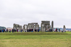 STONEHENGE, WILTSHIRE, UK - AUGUST 17: Tourists queueing for the Stock Images