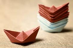 Stonowane barwione papierowe łodzie szklane Zdjęcia Royalty Free