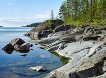 Stony shore of Ladoga lake Royalty Free Stock Photos