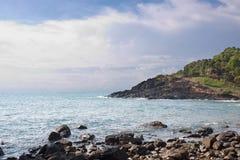 Stony shore before stormy weather Royalty Free Stock Photos