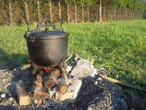 Stoom het koken pot op brand Stock Foto