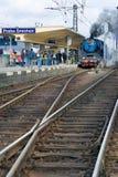 Stoom voortbewegingsalbatros 498 022, het station Smicho van Praag Royalty-vrije Stock Afbeeldingen
