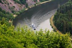 Stoomboot op rivier Saar, rivierkromming Royalty-vrije Stock Fotografie