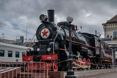 Stoommotor ea-3306 Herdenkings complexe spoorwegarbeiders die tijdens de Tweede Wereldoorlog en als symbool van vriendschap tusse royalty-vrije stock fotografie