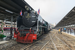 Stoomtrein bij de Spoorweg van de Staat van Thailand 119 jaar verjaardags Royalty-vrije Stock Foto