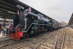 Stoomtrein bij de Spoorweg van de Staat van Thailand 119 jaar verjaardags Stock Foto