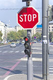 Stop sign in the city Royalty Free Stock Photos