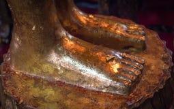 Stopa opierać Buddha obrazy stock