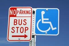 stopp för busshandikapptecken Royaltyfri Foto