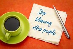 Stoppa att klandra andra personer royaltyfri bild