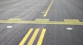 Stoppa linjen på flygplats royaltyfri bild