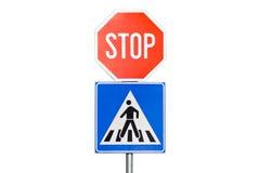 Stoppa tecknet med en övergångsställe Royaltyfri Bild