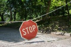 Stoppa tecknet på parkerar Arkivfoton