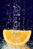 stoppat vatten för dropprörelse orange skiva Royaltyfria Foton