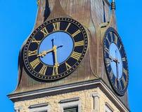 Stoppen Sie auf dem Turm des St. Jakob Church in der Stadt von Zürich ab Lizenzfreie Stockfotografie