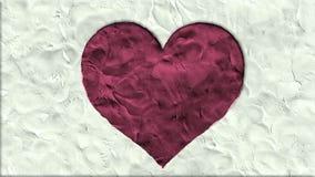 Stoppen Sie Herzformkarikatur der Bewegung die Lehm gemachte, die wie Animation seamles Schleife - romantisches Hochzeitssymbol d stock video