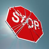 Stoppschild zerbrochen Lizenzfreies Stockfoto