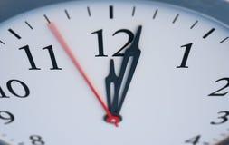Stopptid- och tidbegrepp Stäng sig upp sikt på klockan som visar tolv timmar framförd illustration 3d vektor illustrationer