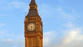 Stor Ben Tower Against Clear Blue himmel i London, UK arkivfilmer