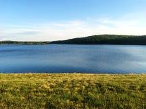 Stor blå sjö Arkivbild