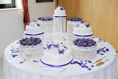Stor bröllopstårta Royaltyfri Bild