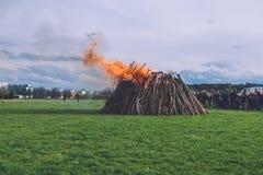 Stor brand för påsk i Potsdam Arkivbilder