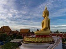 Stor Buddha av Wat Pra Chum Rat Royaltyfri Bild