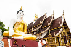 Stor buddha bild på den guld- triangeln i Ubosot Wat Raja Mon Thian Fotografering för Bildbyråer